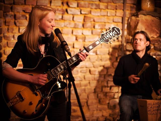 Indie Artist Spotlight: Jenny Scott