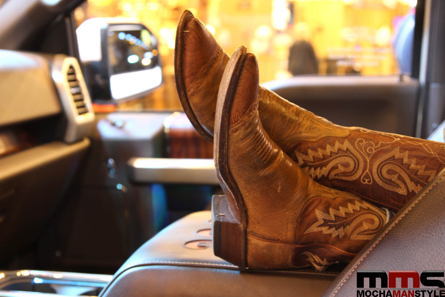 How to Buy Cowboy Boots - Mocha Man Style