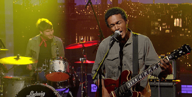 "Benjamin Booker Performs ""Violent Shiver"""
