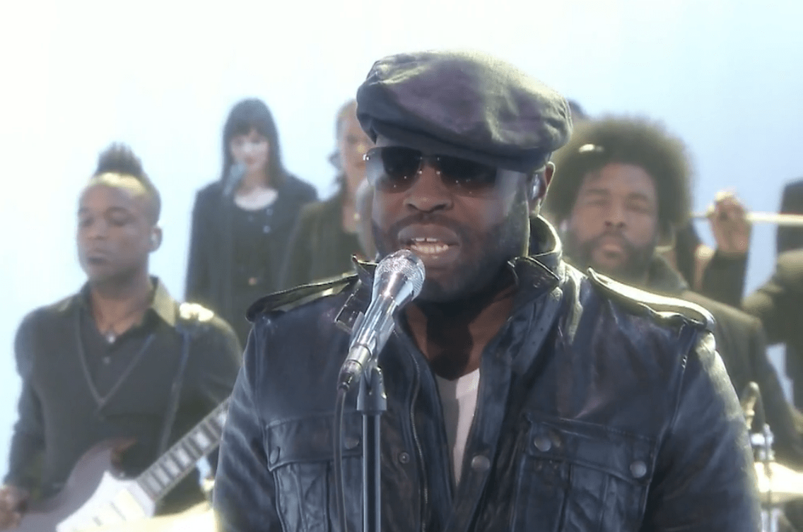 "The Roots Perform ""Never"" on The Tonight Show"