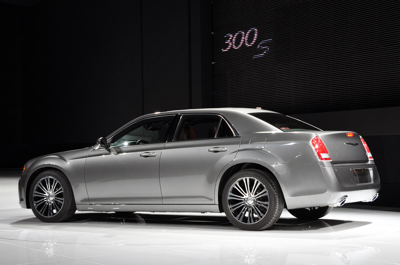 Rule the Boulevard with the Chrysler 300 Wheels & Beats Package
