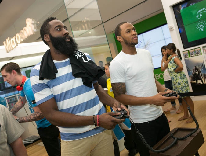 James Harden and Arian Foster Play XBoxOne with Fans