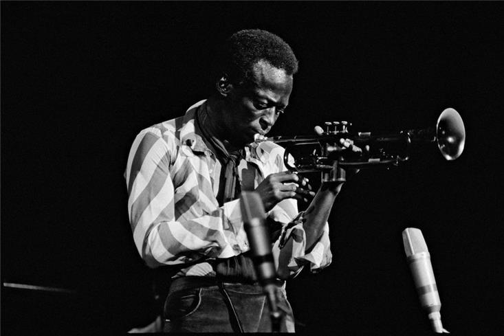 Newly Unearthed Photographs of Miles Davis to be Featured at Morrison Hotel Gallery