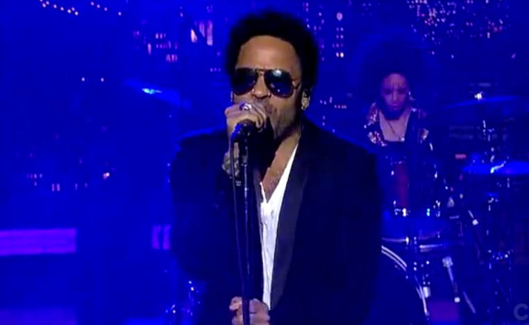 "Lenny Kravitz Still Knows How to ""Strut"""