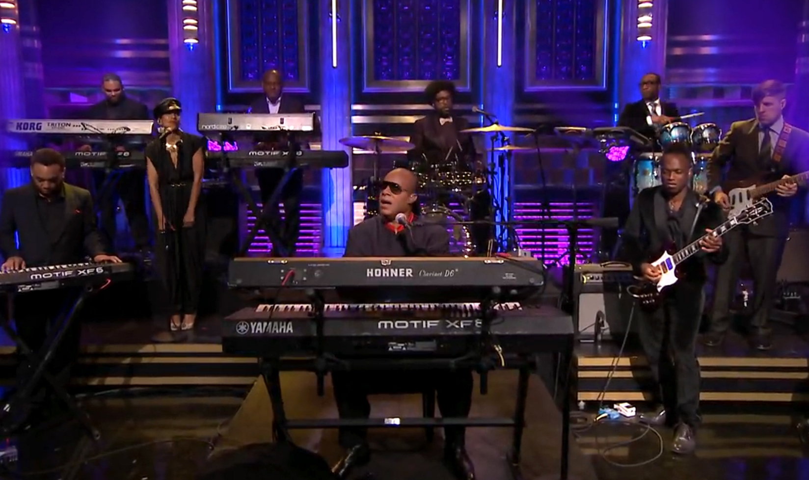 "Stevie Wonder Brings Down the House with a Performance of ""All Day Sucker"""