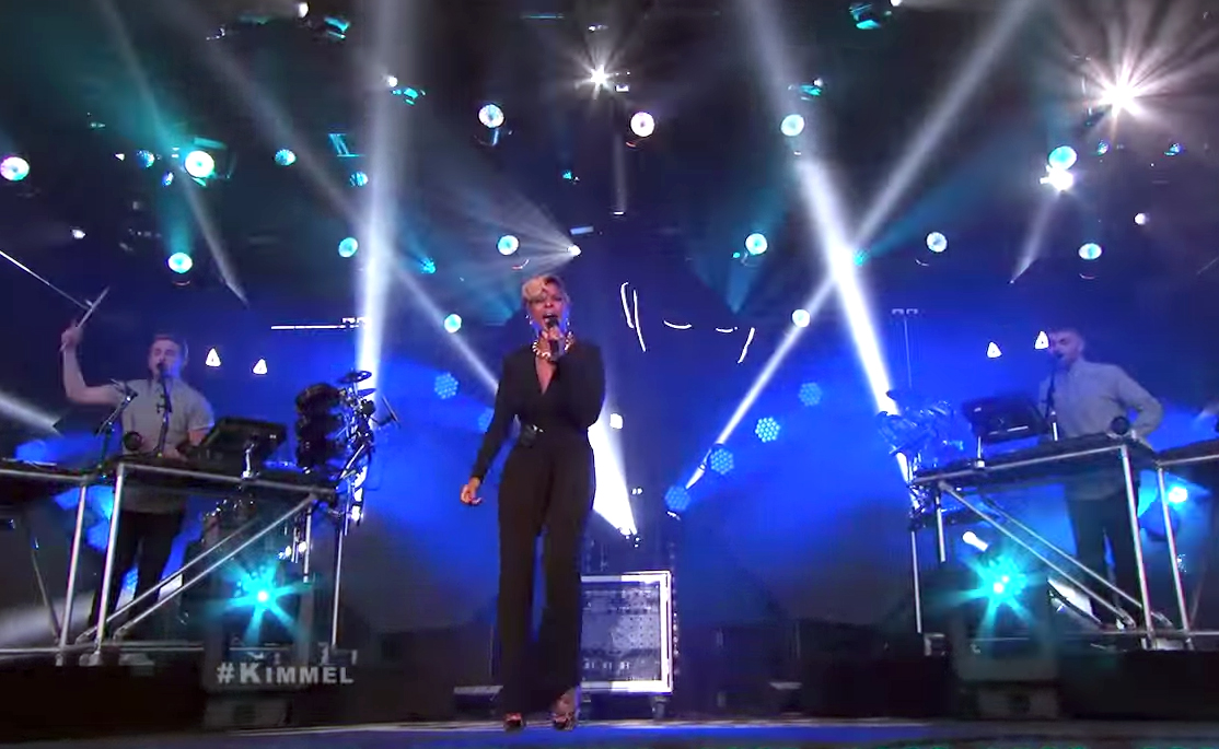 """Disclosure Performs """"F for You"""" with Mary J. Blige"""