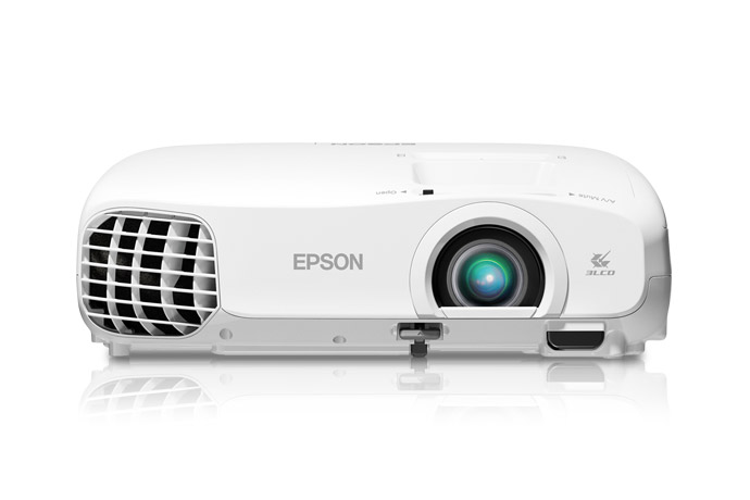 Enhance Your Home Movie Experience with the Epson PowerLite 2000 Projector