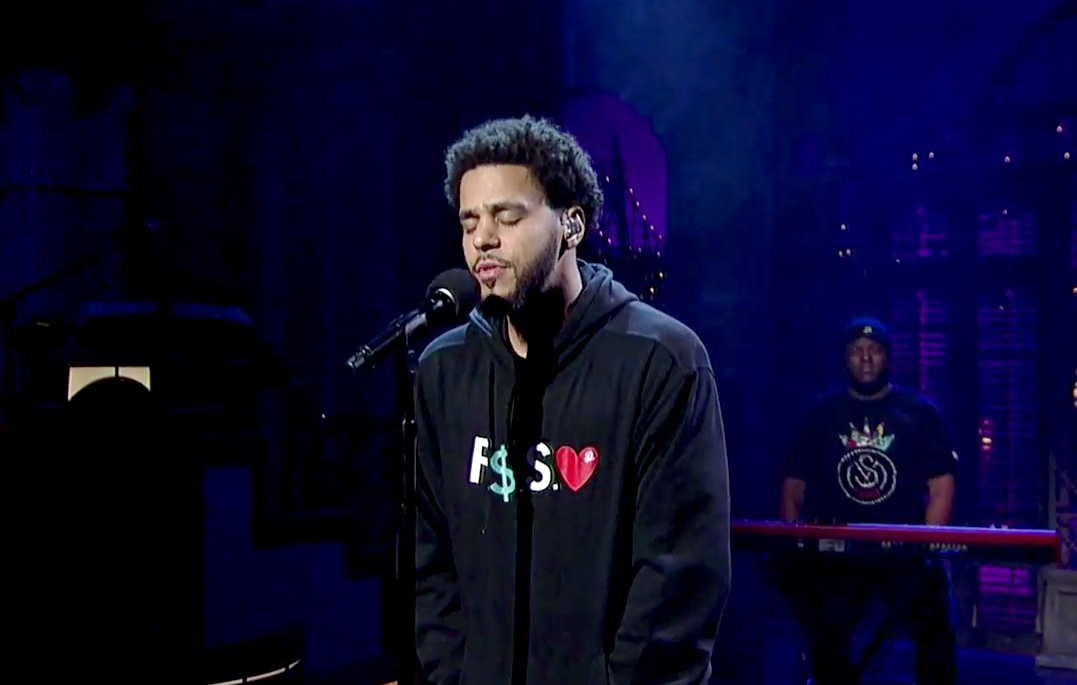 "J. Cole Performs an Impassioned Version of ""Be Free"""