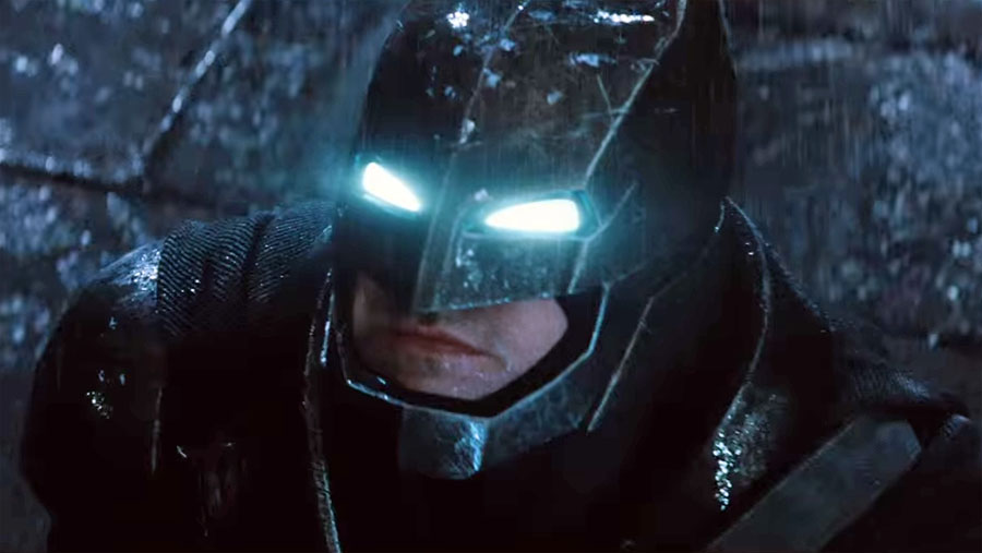 "New ""Batman V Superman: Dawn of Justice"" Trailer Unveiled at Comic-Con"