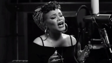 andra day rise up