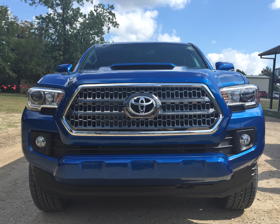 the 2016 toyota tacoma trd 4x4 sport is an off road beast mocha man style. Black Bedroom Furniture Sets. Home Design Ideas