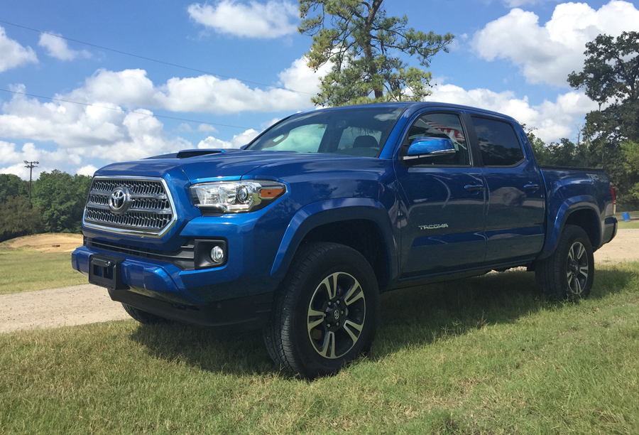 The 2016 Toyota Tacoma TRD 4X4 Sport Is an Off-Road Beast