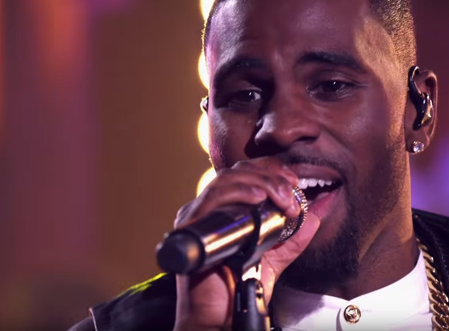 "Jason Derulo Performs ""Want To Want Me"" on Guitar Center Sessions"
