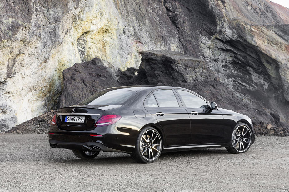 MERCEDES AMG E 43 4MATIC rear