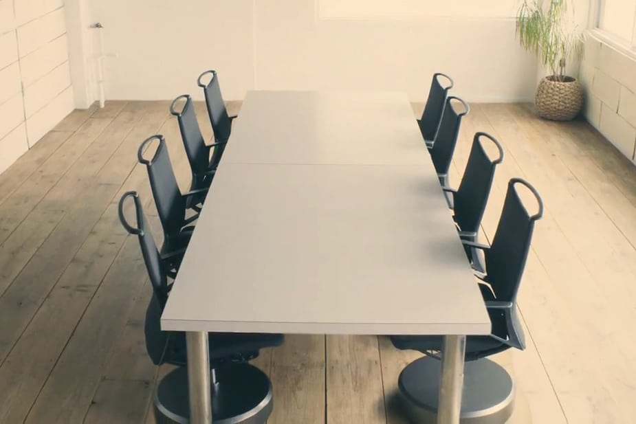The Intelligent Parking Chair Will Make Your Meetings Way More Fun