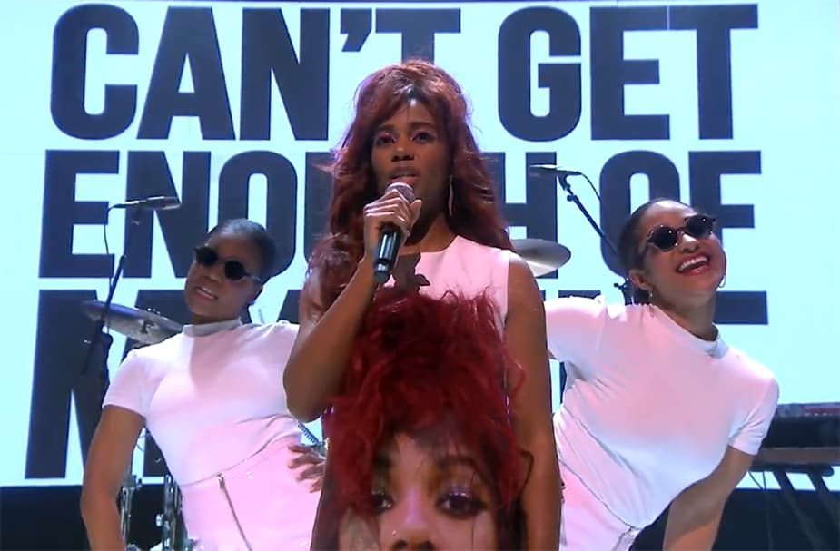 "Santigold's Retro-Inspired Performance of ""Can't Get Enough of Myself"" is Amazing"