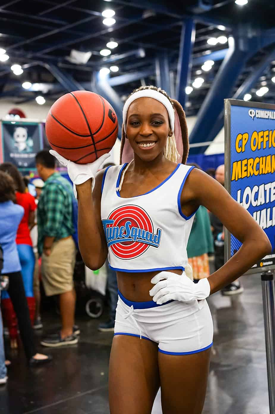 Lola Bunny Space Jam African American Cosplay Comicpalooza