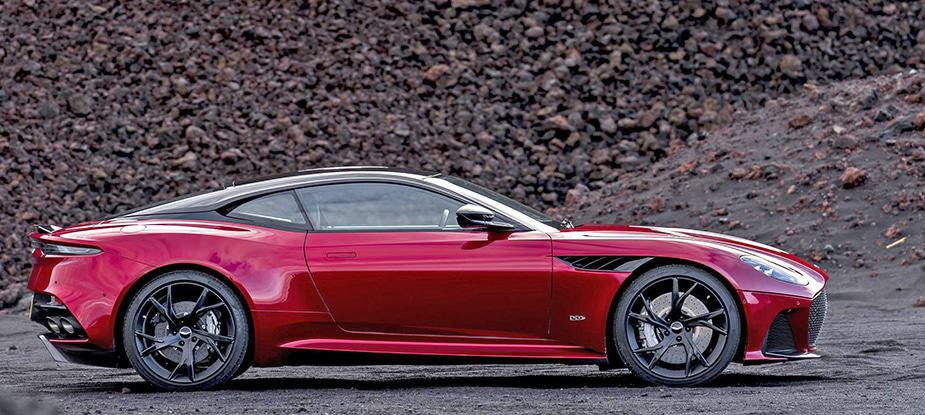 Aston Martin DBS Superleggera Super GT