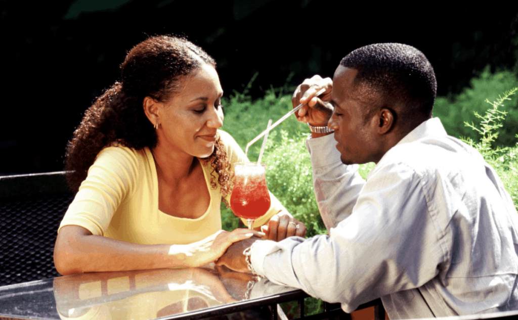 black couples with cocktails