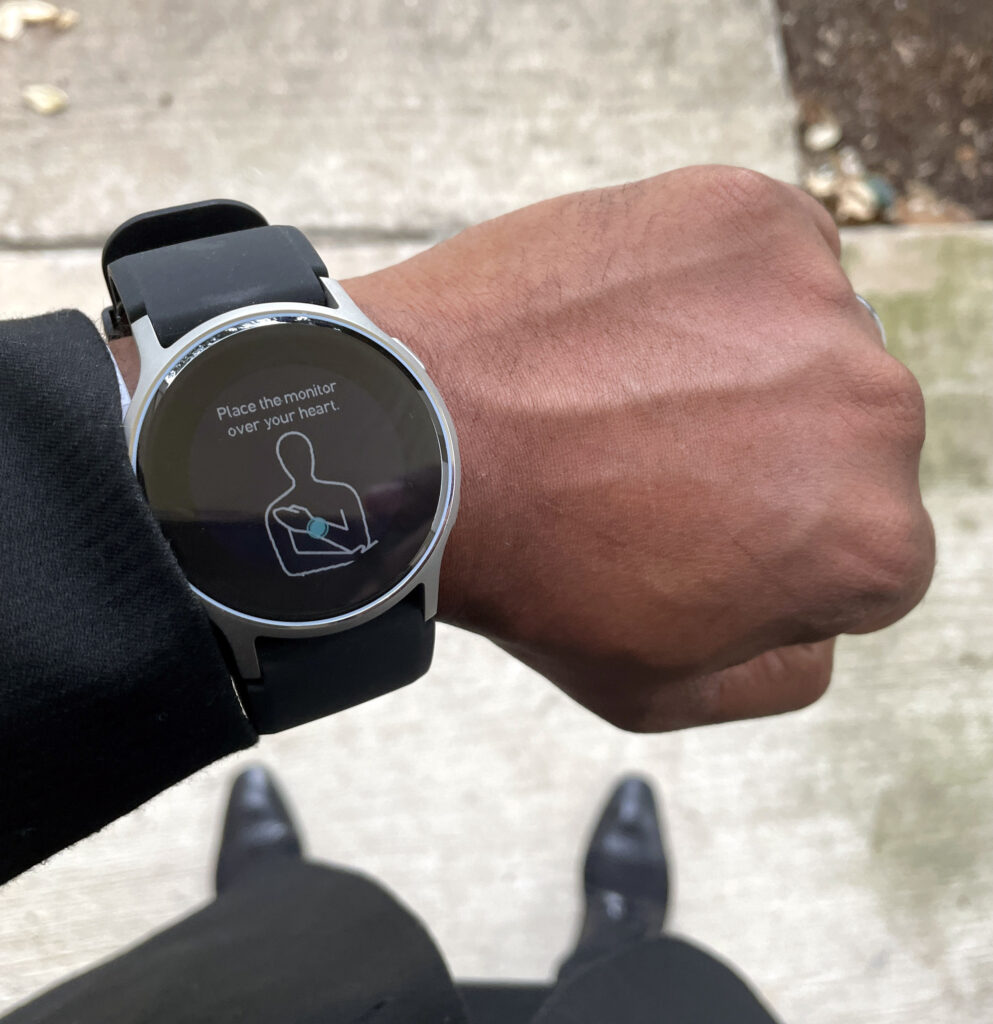 omron heartguide wrist blood pressure monitor